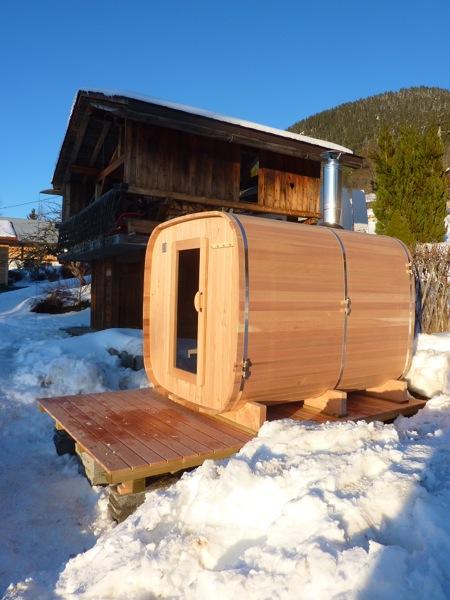 sauna ext rieur histoire d 39. Black Bedroom Furniture Sets. Home Design Ideas